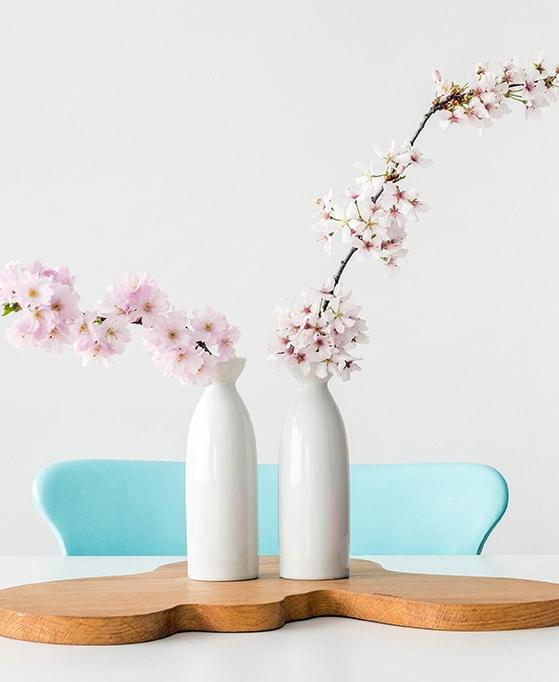 flores de almendro en un proceso de extracción cosmética