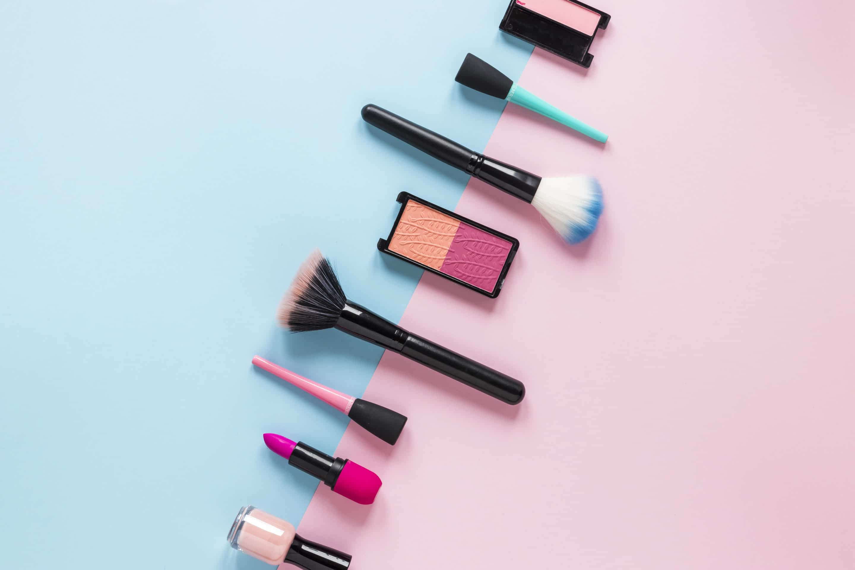 maquillajes naturales de diversas marcas